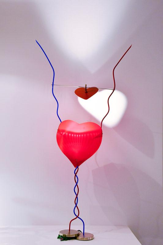 Lampe aus einem Kunststoffherz