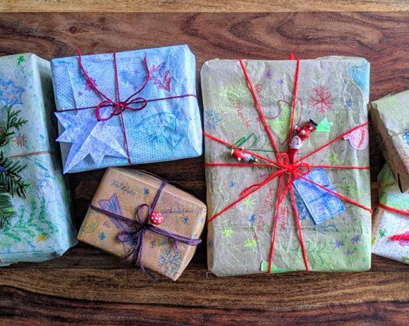 Sechs verschiedene Weihnachtsverpackungen